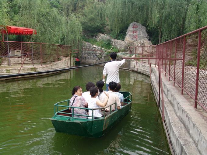 仙栖洞位于十渡风景区张坊镇东关上村
