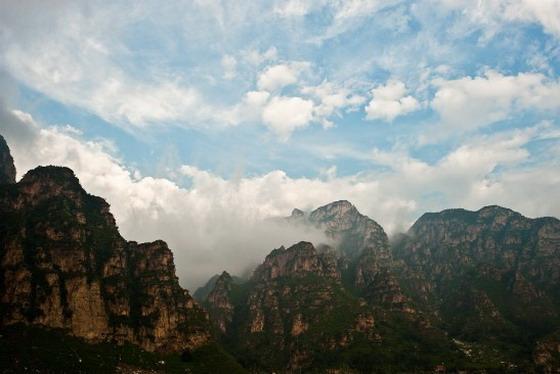 十渡风景名胜区位于房山区十渡镇和张坊镇的十八个渡口组成,总面积313